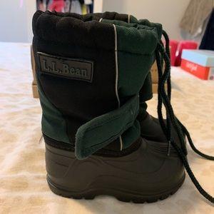 L.L. Bean little boys snow boots